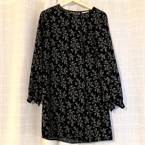H & M long sleeve dress floral navy, size 4